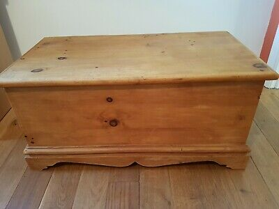 Beautiful Antique Victorian  Old Pine Chest/Blanket Box/Trunk