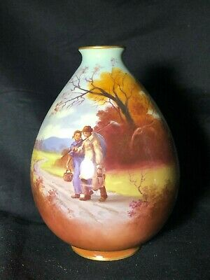 """Royal Doulton Vase Country Scene 7"""" in Great Condition"""