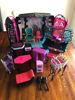Monster High Stage And Furniture Mixed Lot