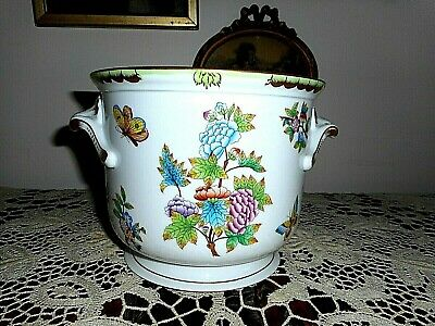 Antique large handpainted Herend cache pot with Queen Victoria pattern