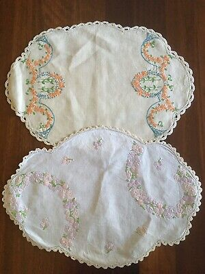 Two pretty vintage linen hand embroidered Daisy Garland Centrepiece Doilies VGC