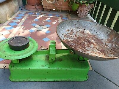 Vintage Rusty Kitchen Cast Iron Metal Scales