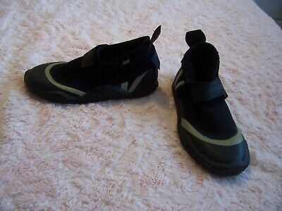 Girls  Crewsavers Black Active Wear Shoes Size 2