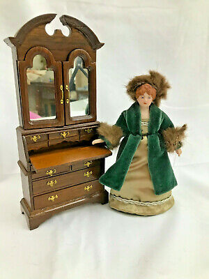 Bisque Dollhouse MIniature dolls 1:12. Woman in FUR ~Fully Dressed Victorian