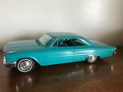 1963 Ford Galaxie 1/25 Built Model