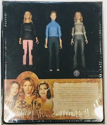 Buffy The Vampire Slayer 3 Pack Action Figure Exclusive Summers Family Album