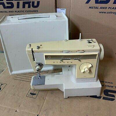 Singer Sewing Machine 533 Electric + Case A3
