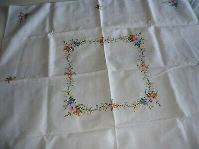 """""Flowers"" Stamped  Square Embroidery Tablecloth 4 X  Small Matching Napkins"