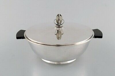 Carl M. Cohr, Denmark. Lidded Art Deco bowl in silver (830) with handle