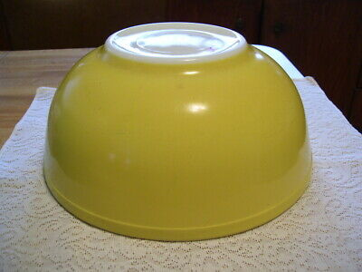 Vintage Yellow Pyrex Mixing Bowl from Primary Color Set