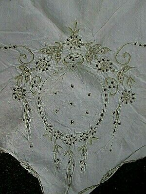 Beautiful Vintage Embroidered Linen Tablecloth~Flowers & Eyelets