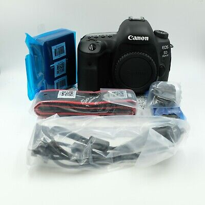 Canon EOS 5D Mark IV DSLR Camera (Body Only) *MINT CONDITION*