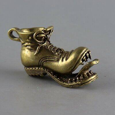 Collectable Handwork China Old Bronze Carved Abstract Strange Shoe Decor Statue