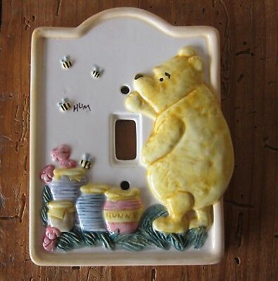 WINNIE THE POOH CERAMIC SWITCH PLATE, official DISNEY, made by Charpentè