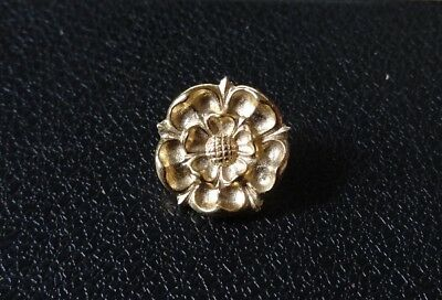 Tudor Rose Stud-back Brooch in 22kt Gold on Fine Pewter