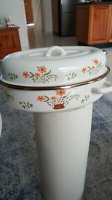 Vintage Countryside Collection enamel roaster