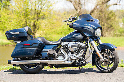 2016 Harley-Davidson Touring  2016 Harley-Davidson Street Glide Special FLHXS Ultra Tour-Pak Ton's of Extras!!