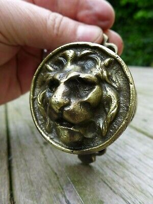 Vintage beautiful 2x brass lion head knobs with 2x keyhole cover project 26-04