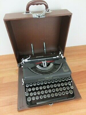 Vintage IMPERIAL The Good Companion Model T Portable Typewriter In Case, England