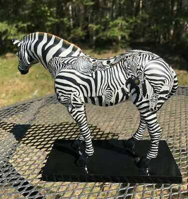 Trail of Painted Ponies Incognito 1E/4675 Retired  Model #1524