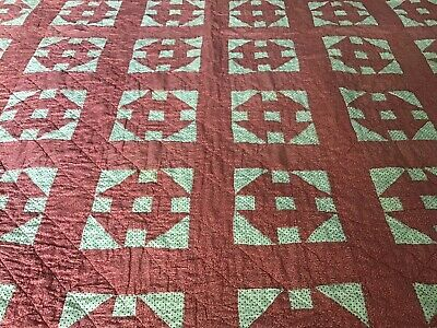 Homemade Machine Quilted Twin Coverlet/Quilt , Red And White Pattern