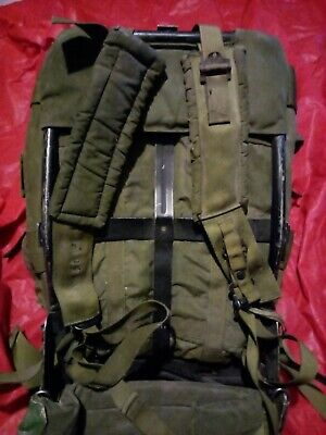 vintage US Military Surplus Alice Pack Rucksack Backpack with Frame straps med