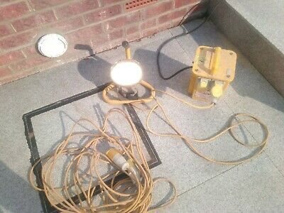 3.3 KVA 110v Site Transformer Box 2 x outlets Site Alogen Lamp and 15m Extension
