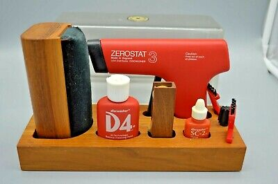 Rare Used Discwasher D4 Record Cleaner Kit Zerostat Gun, Brushes with Case ++++