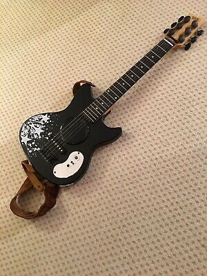 First Act Discovery Kids Electric Guitar (2010)