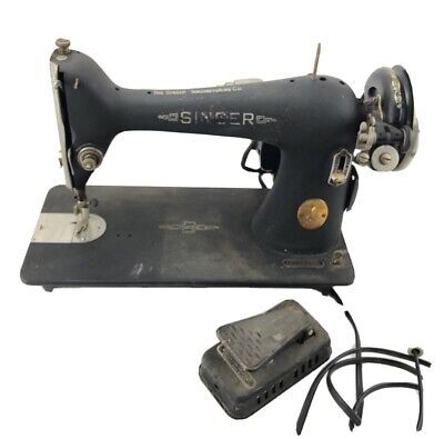Singer Model 66 Series Cast Sewing Machine Works With Light