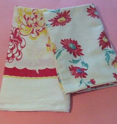 Lot of Two Vintage Tablecloths - Fabric Craft CUTTER