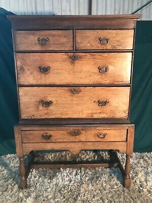 Early18th century oak chest on stand