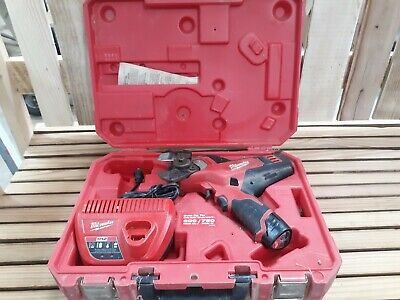 MILWAUKEE 2472-20 M12 Cable Cutter w/  1 Battery -Charger & Case USED
