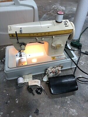 Vintage Singer Fashion Mate 360 Sewing Machine W/ Ft. Pedal Zig Zag