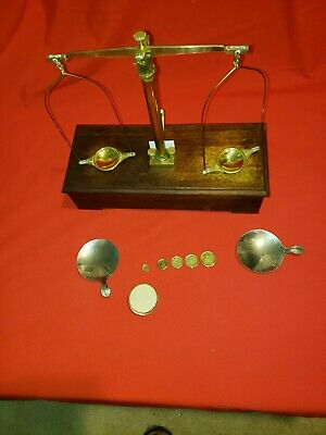 Vintage Henry Troemner Scale with Wood Base and Weights