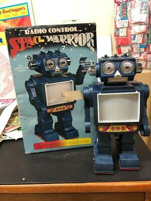 RADIO CONTROL  BATTERY OPERATED SPACE WARRIOR ROBOT KOREA 70s STRACO HTF IN BOX