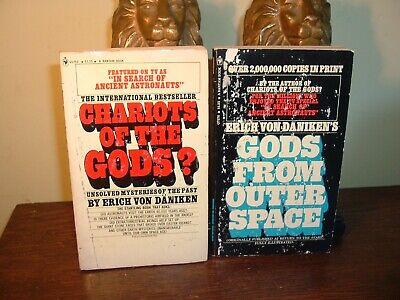 Erich Von Daniken CHARIOTS OF THE GODS GODS FROM OUTER SPACE 2 Book Lot
