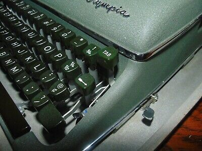 Vintage Olympia DeLuxe Manual Typewriter Green with Hard Case Germany Works EXC