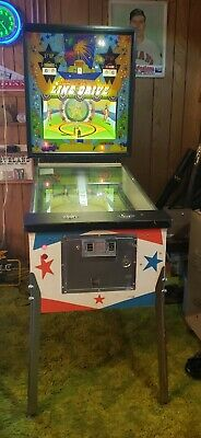 Excellent 1972 Williams Mechanical Line Drive Pinball Baseball Game