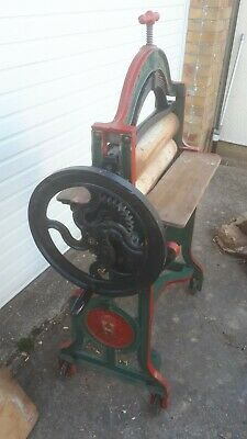 Harris Bantam Cast Iron Washing Mangle
