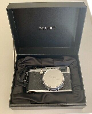 Fujifilm X100 Fuji Camera with Integrated 23mm F2 Lens - Superb Condition
