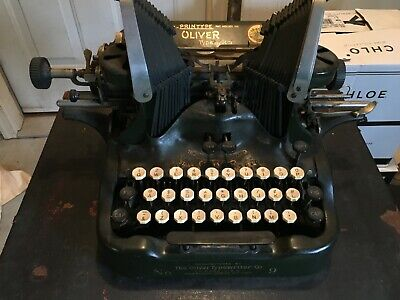 Antique Oliver Typewriter No 9