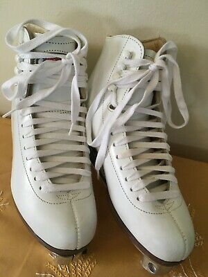 Vintage Sure Grip 93 Mens Size 5 White Leather Roller Skate Boot w/Sure Grip Inv