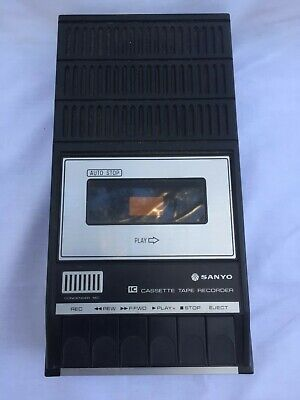 Vintage 1970's Sanyo Portable Cassette recorder M2519E - battery powered