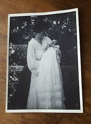 Antique Photograph 1913 Large Old Black And White Mother Baby Child Dress