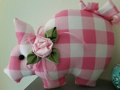 Shabby Pink Roses  Cute Sweet Lady Piggie  Wall Decor, Sit About, Wreath Decor