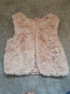 H&M Girls Fluffy Pink Gilet / Bodywarmer 3-4 yrs
