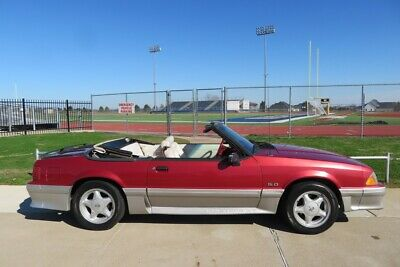 1992 Ford Mustang 5-Speed GT Convertible 5.0L 1992 Ford Mustang GT 5.0L Convertible 5-speed