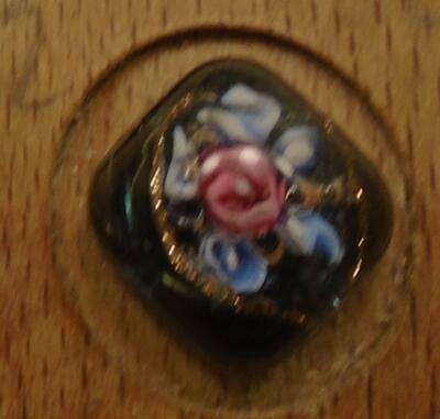 """WOW 7/16"""" High Detailed Glass Antique Button 41:28"""