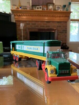 1970s HESS BOX TRUCK Fuel Oils Tanker & Total Lot 5 As Shown Untested. 3 Barrels